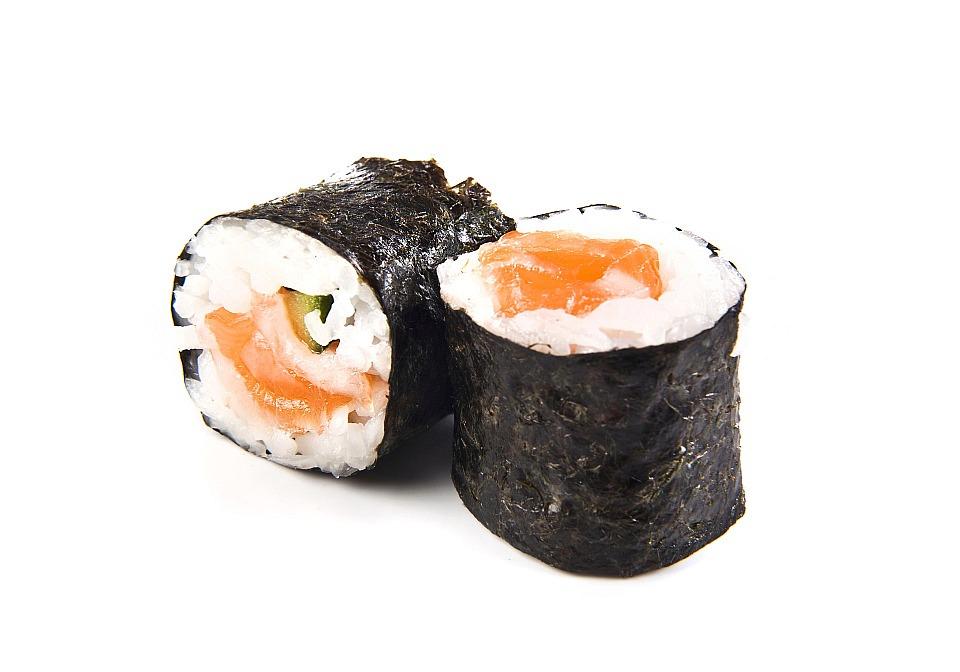 Maki-sushi-s-lososem